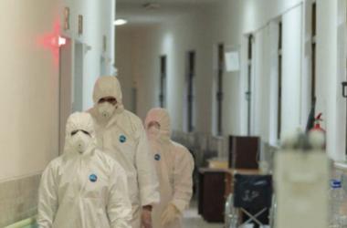 Tại Iran, xác người 'chất đống' khi số ca nhiễm Covid-19 tăng