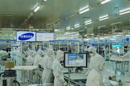 COVID-19 khiến Samsung tiếp tục dời sản xuất sang Việt Nam