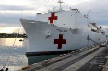 Dịch corona: Tàu bệnh viện ứng cứu đã tới New York