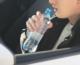 Uống chai nước 1 người đàn Ông Victorian bị phạt $1,652