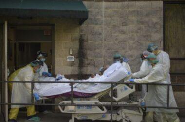 Mỹ: Hơn 80 trẻ sơ sinh 'nhiễm' COVID-19 ở Texas