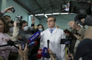 Alexander Murakhovsky nghi bị đầu độc không qua Đức để điều trị