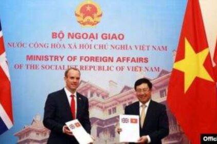 Việt Nam-Anh ký Tuyên bố quan hệ đối tác chiến lược