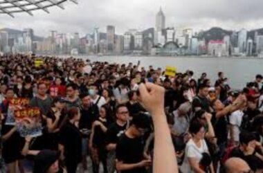 Hong Kong: Bỏ Đi Trước Khi Quá Muộn